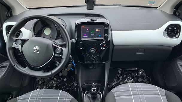 Peugeot 108 Park Manufacture avec Entrée audio / iPod
