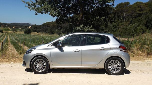 Peugeot 208 Allure avec GPS